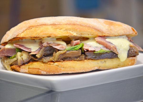 Mari Pintau Pisca Fish Burger